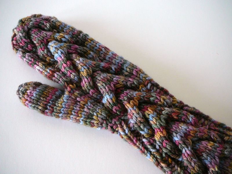 Bella Gloves Knitting Pattern : Horseshoe Cable Knit Mittens and Knitting Cables Without a Needle (The Crafti...