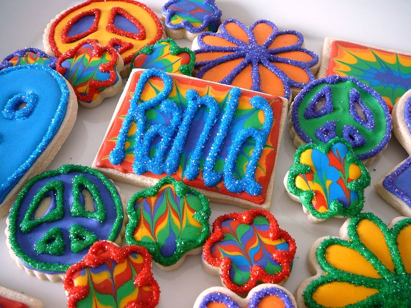 Rainbow Tie-Dye Decorated Sugar Cookies | The Crafting Foodie