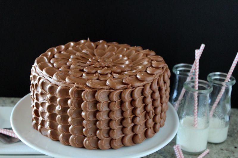 Chocolate Birthday Pinata Cake Stuffed with Muddy Buddies | The Crafting Foodie
