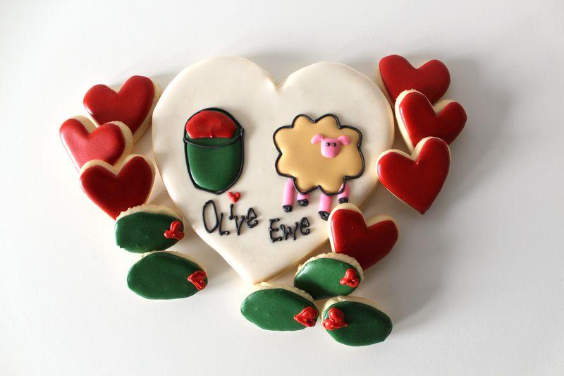 Olive Ewe Decorated Cookies   The Crafting Foodie