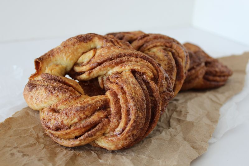 Cinnamon and Cardamom Ring Coffee Cakes | The Crafting Foodie