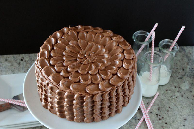 Chocolate Birthday PinataCake with Muddy Buddies | The Crafting Foodie