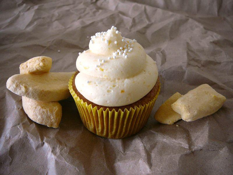 Mango Cupcakes | The Crafting Foodie